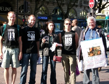 Tractage ReOpen911 à Paris en 2009