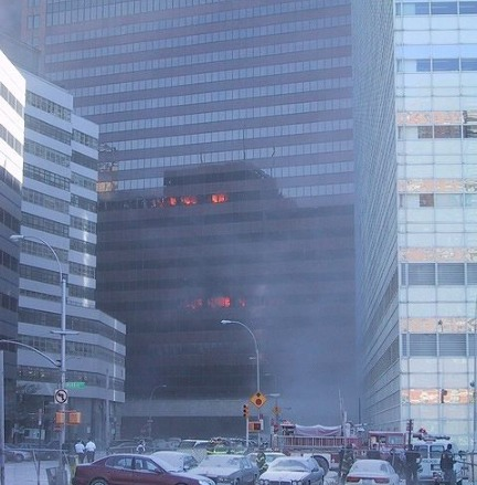 Incendies sur la face nord de la tour 7 du World Trade Center